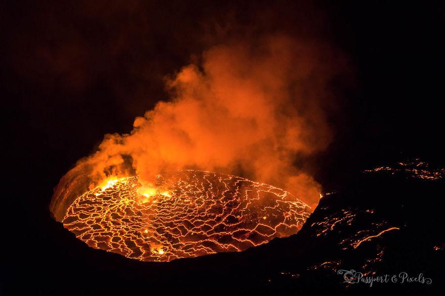 Nyiragongo'nun dev lav gölü