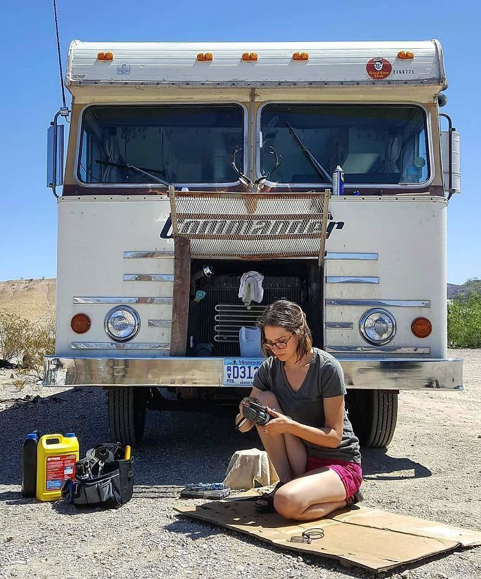 """Unconventional Living : 14 Inspiring Stories Of People Who Chose """"The Vanlife"""" And ..."""