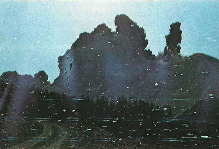 El fotógrafo Robert Landsberg captó la pared de ceniza que lo mataría durante la erupción del Santa Helena. Protegió la cámara con su cuerpo
