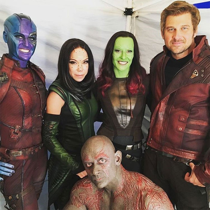 13 Photos Of Avengers With Their Stunt Doubles That