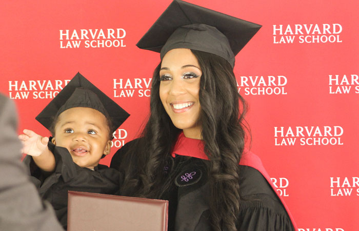 Woman Goes Into Labor During Her Final Exam, Finishes It On Epidural And Graduates From Harvard