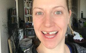 Esta mujer bebió 3 copas de vino en un evento del trabajo, y todo se salió de madre tan catastróficamente que hasta internet siente pena por ella
