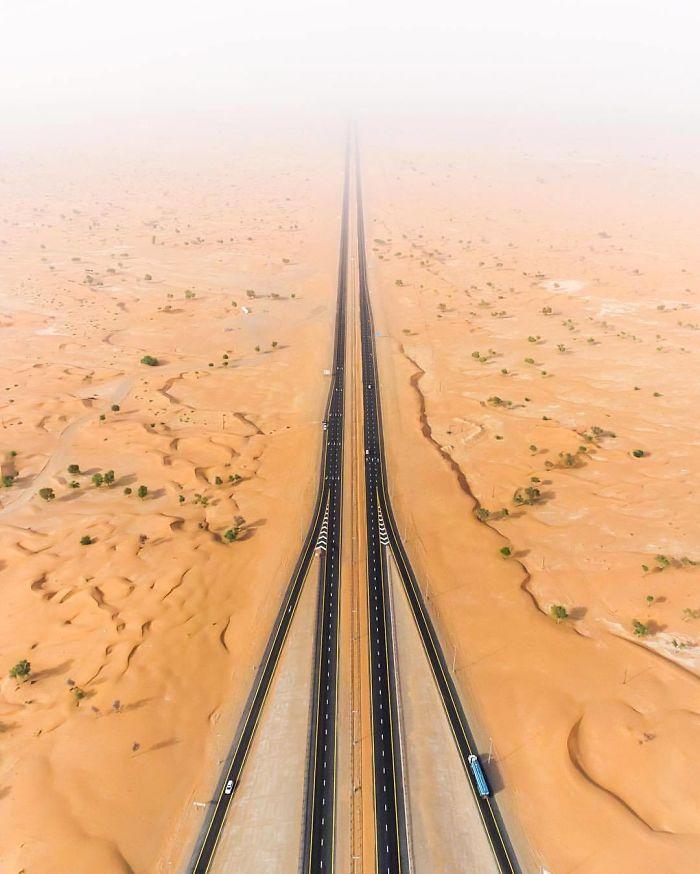 Desert Road (Dubai, United Arab Emirates)