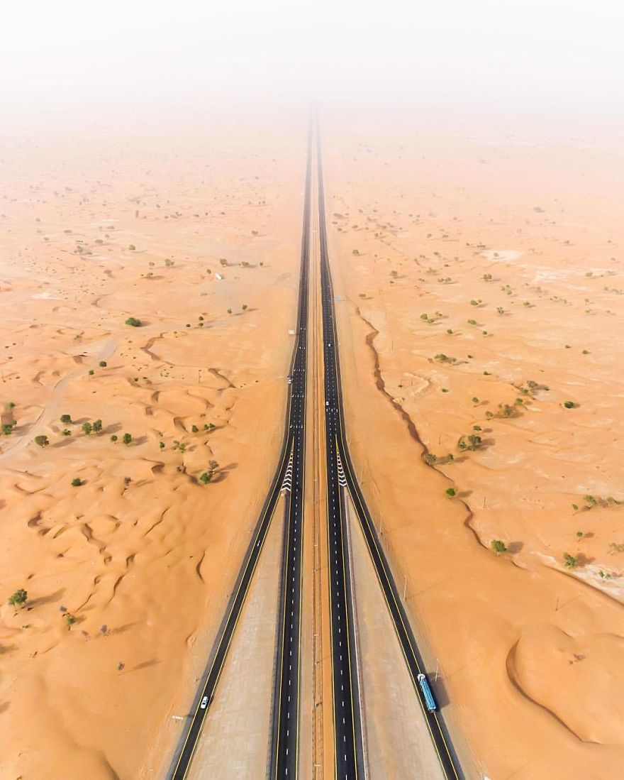 Desert Road (Dubai, United Arab Emirates)