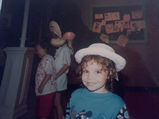 A Friend Of Mine Posted A Baby Pic Of Her At Disney... Everyone Was Wayy More Intrigued By What Was Happening In The Background