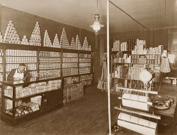 1920 Interior View Of A Chicago Grocery