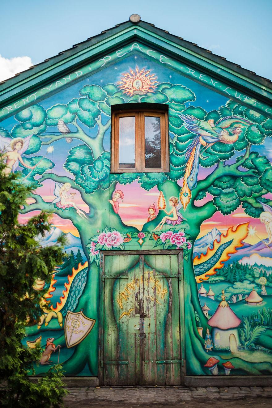 Entering Christiania