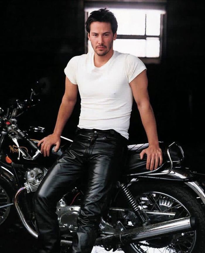 Keanu Reeves Photographed By Annie Leibovitz For Vanity Fair, August 1995