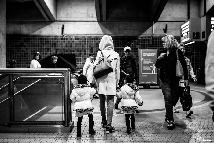 On Saturday, May 5th 2018 At 3:07pm, The Commuters Of The Jean-Talon Metro Station Thought They Were Seeing Double. They Were Actually Seeing Twin Girls