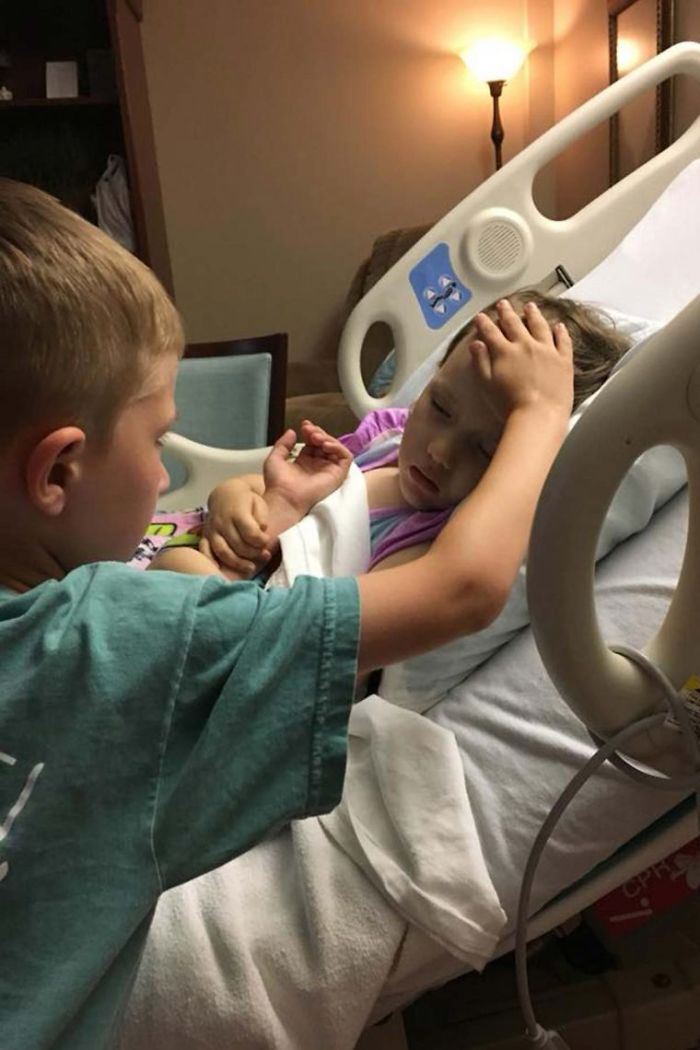 Image Of Brother Saying Goodbye To Sister With Terminal Cancer Thrills The World