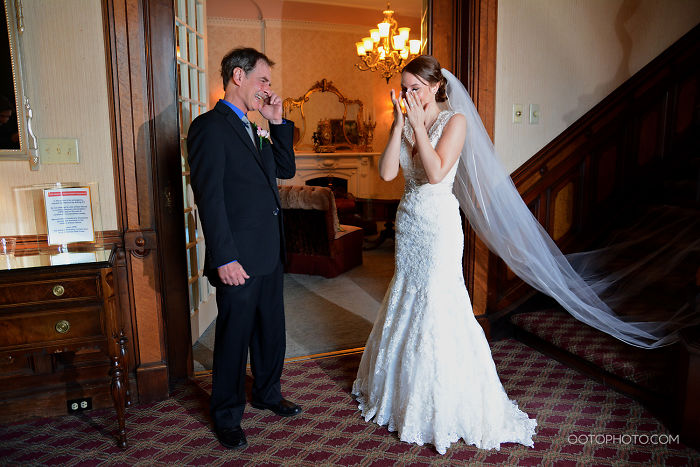 The Moment Dad Saw His Daughter In Her Wedding Dress