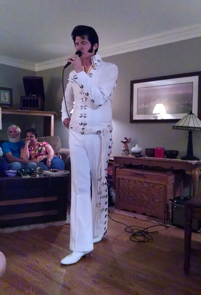 My Family Is Pretty Odd. Tonight, My Mom Hired An Elvis Impersonator And Didn't Tell Anyone About It