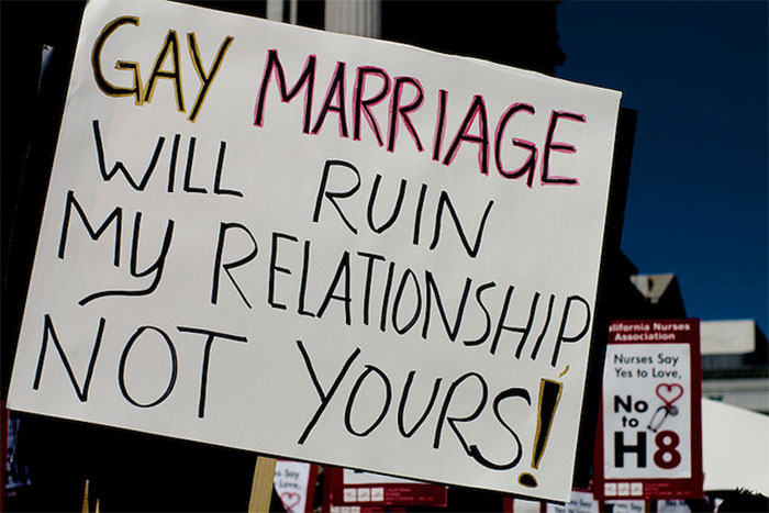 88 Hilarious Pride Signs That Will Make Even Homophobes Laugh Out