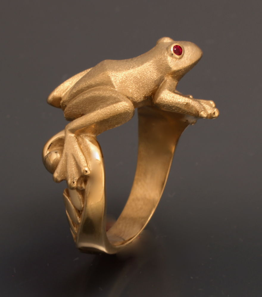 Frog Ring , Bronze