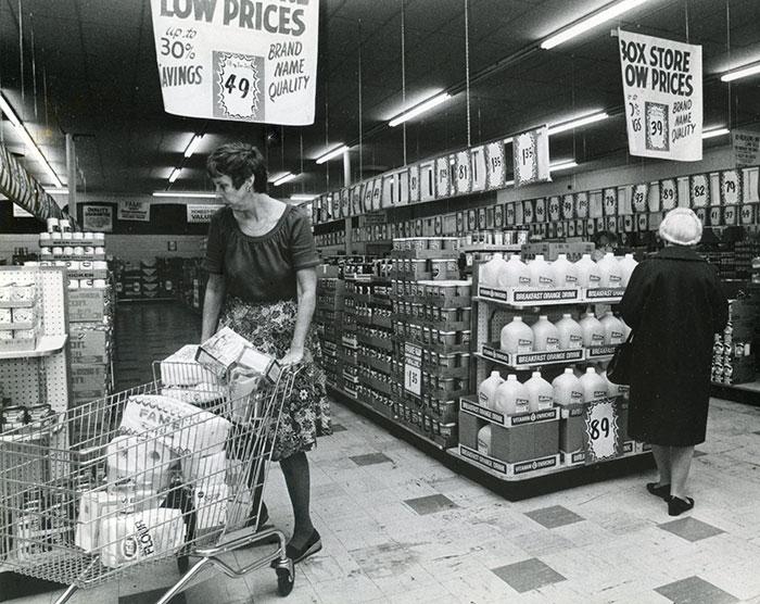 U-Pak Kmart No Frills Supermarket Pontiac, Michigan, 1979