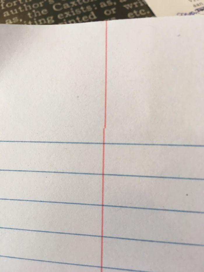 Esta línea. Está en todas las páginas del cuaderno