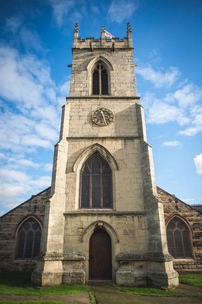 ¿Quién es el lunático que diseñó esta iglesia?