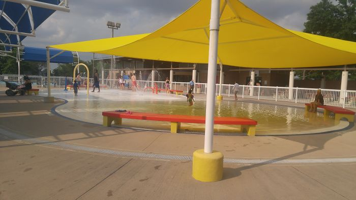 Pool Got A New Sunshade For The Kiddie Pool. A New Yellow Sunshade