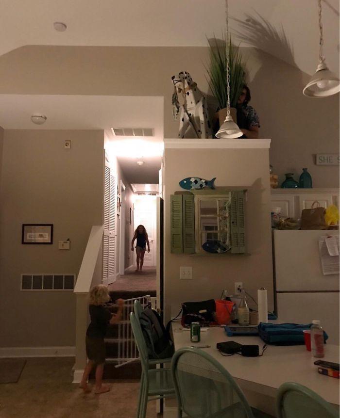 Mis sobrinos apostaron a que me encontrarían jugando al escondite. Pues seguro que no