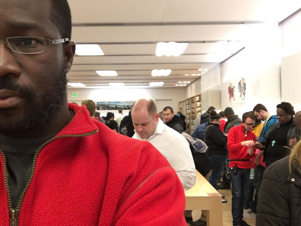 Wear The Same Color Shirt As Apple Store Staff And You Can Recommend Android Phones For A Few Hours Before They Kick You Out