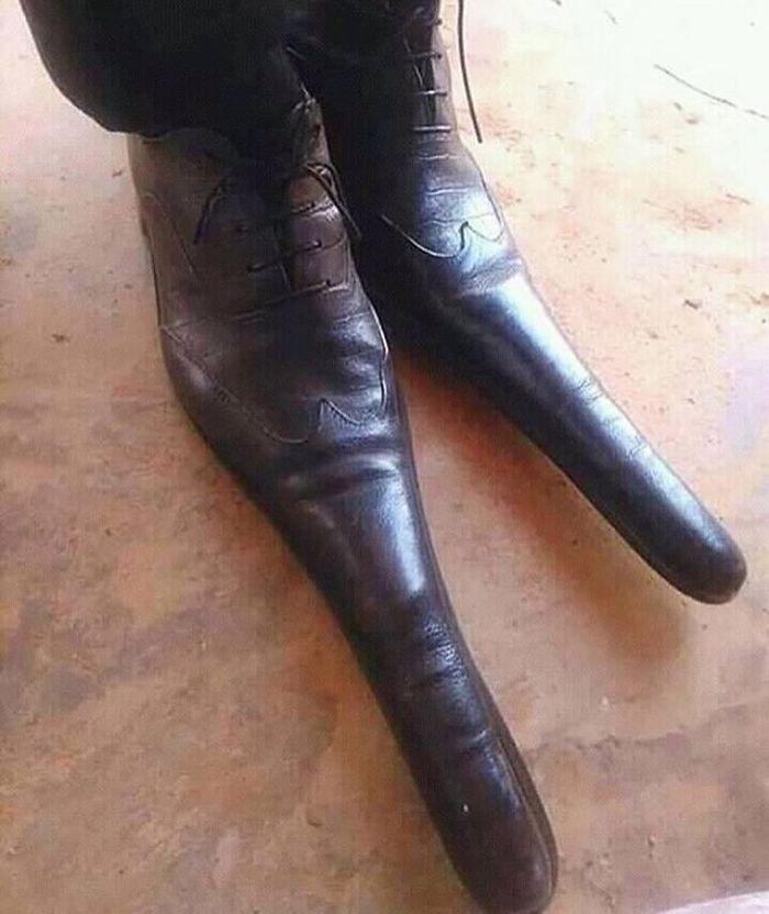 Strange-Shoes-Instagram-Crimesagainstshoemanity
