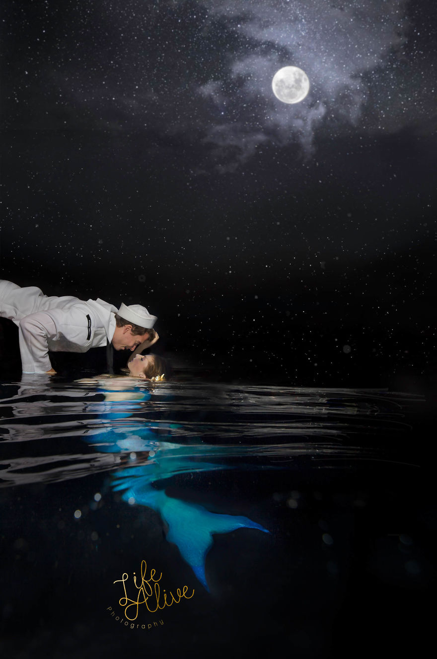 Underwater Photographer Tells The Haunting Love Story Of A Mermaid And Her Sailor