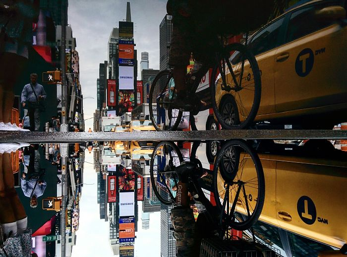 You´ve Never Seen Nyc Like This. I Caputred the Parallel Worlds Of New York City Through Puddles