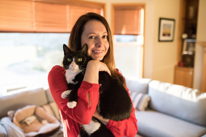 Woman Travels 1,300 Miles For Her Cat's Cancer Treatment