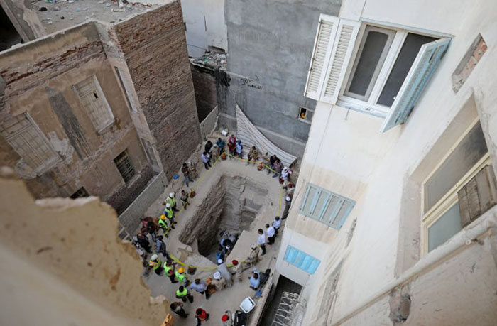 Remember The Massive Coffin That Hasn't Been Opened In 2000 Years? They Just Opened It