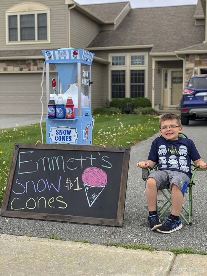 father son selling snow cones business Emmett (3)