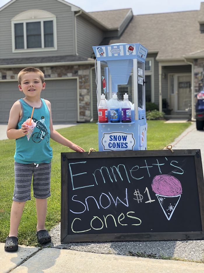 father son selling snow cones business Emmett (4)