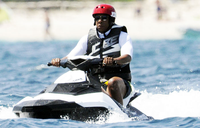 Jay-Z's Vacation Photo Turns Into The Best Meme Of This Summer And It Will Make You Laugh