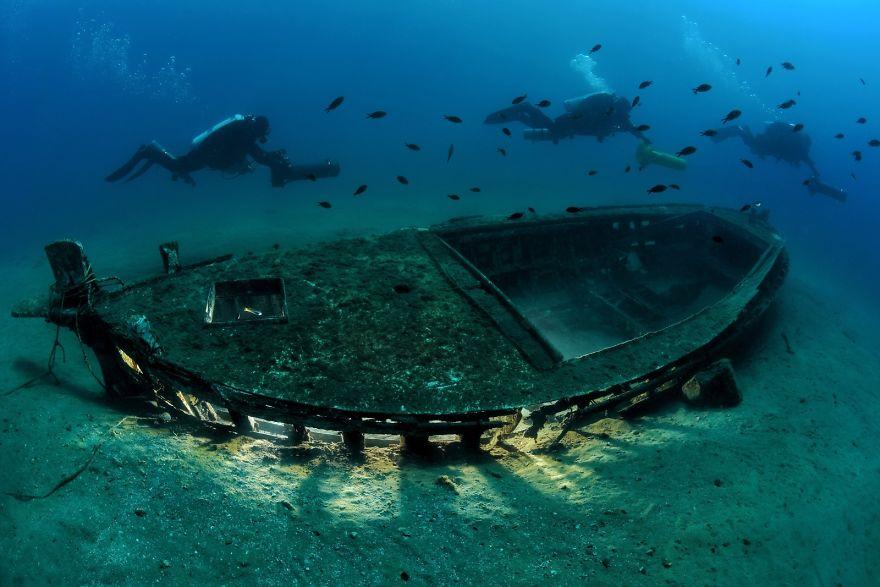 "Wrecks Category: Runner Up ""Safe Navigation"" By Gianni Pecchiar, Italy"