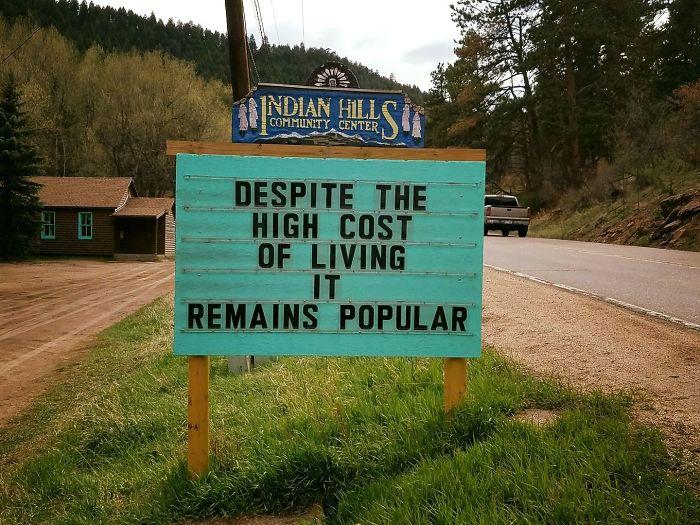 Indian Hills Sign