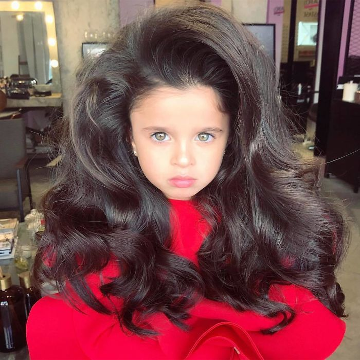 5 Year Old Wins The Hearts Of 53k Instagram Followers With Her Huge Hair But Some People Are Concerned Bored Panda