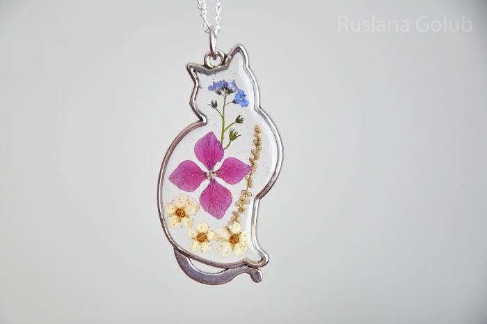 Pretty Cat Pendants With Real Dried Flowers Inside. Made With Love!