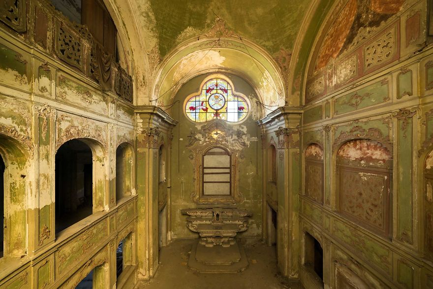 The Most Beautiful Abandoned Chapels Around The World