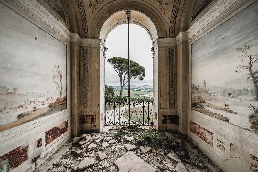 Villa, Italy