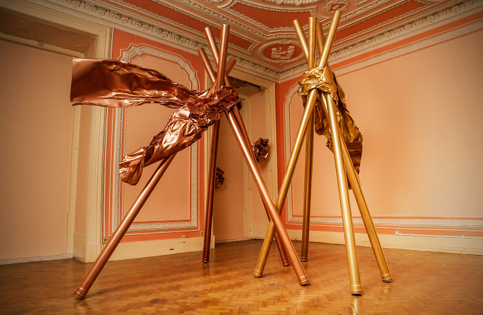 One Amazing Old Pink Room Full Of Shining Sculptures And Copper Flowers In Lisbon