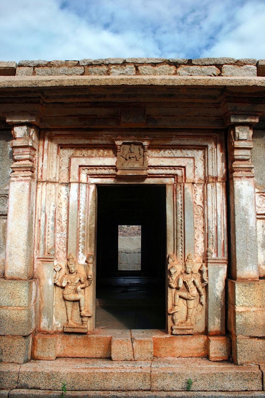 The City Of Hampi, In The State Of Karnataka, Hosts The Ruined City Of Vijayanagara, The Former Capital Of The Kingdom Of Vijayanagara, In The State Of Karnataka In India