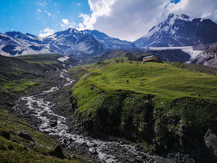 Expedition To Mount Kazbek: Day 2 – From Tbilisi To 2990 M. Elevation