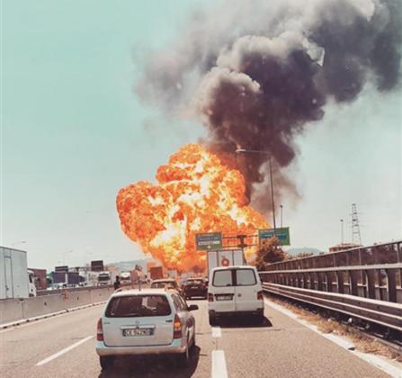 bologna-esplosione-autostrada-borgo-panigale-tir-2-447x420-5b6d5764eb4ac.png