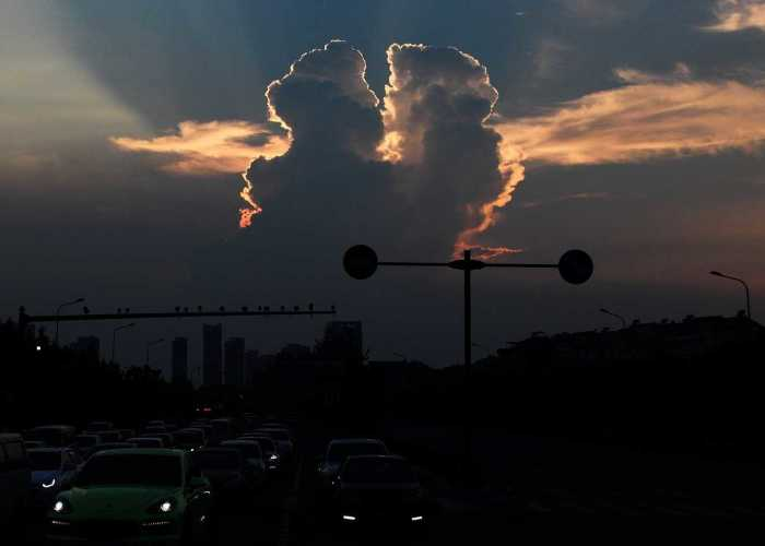 Clouds Above China Take Over The Sky In The Most Romantic Way