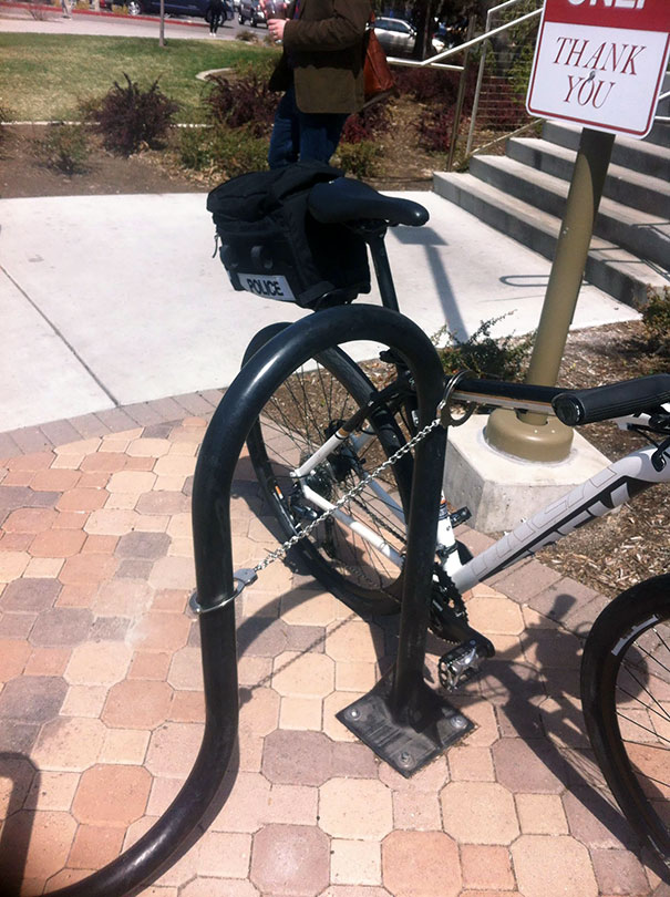 Cop At My University Forgot His Bicycle Lock. So He Improvised