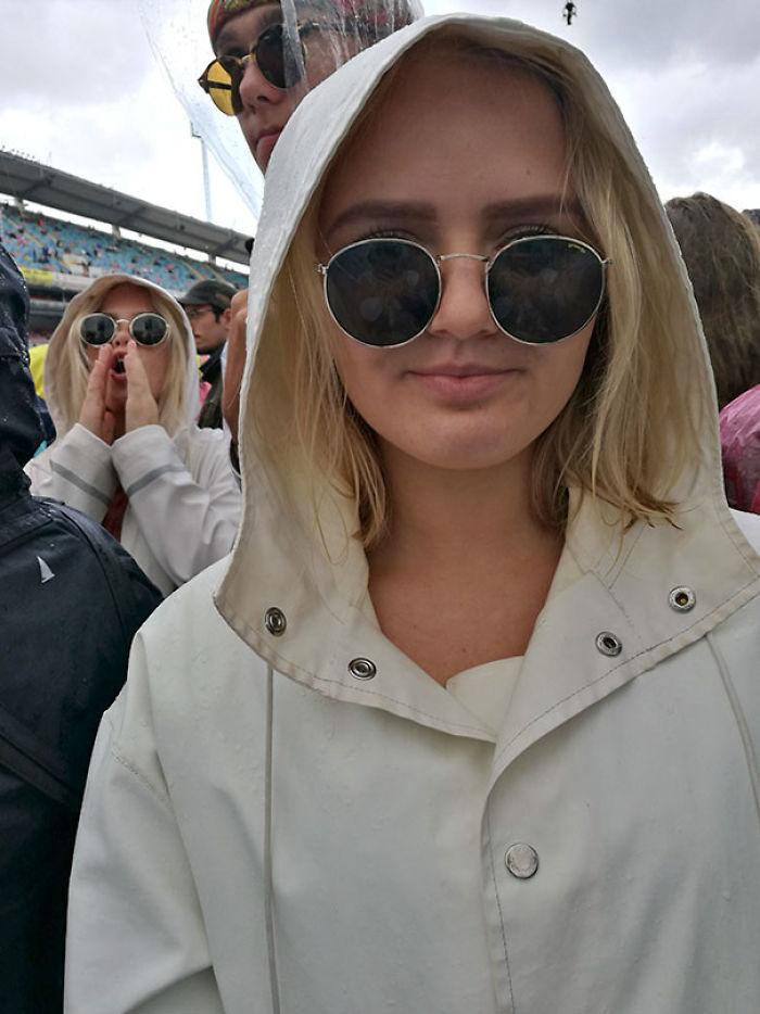 Un clon de mi hermana en el concierto de Coldplay