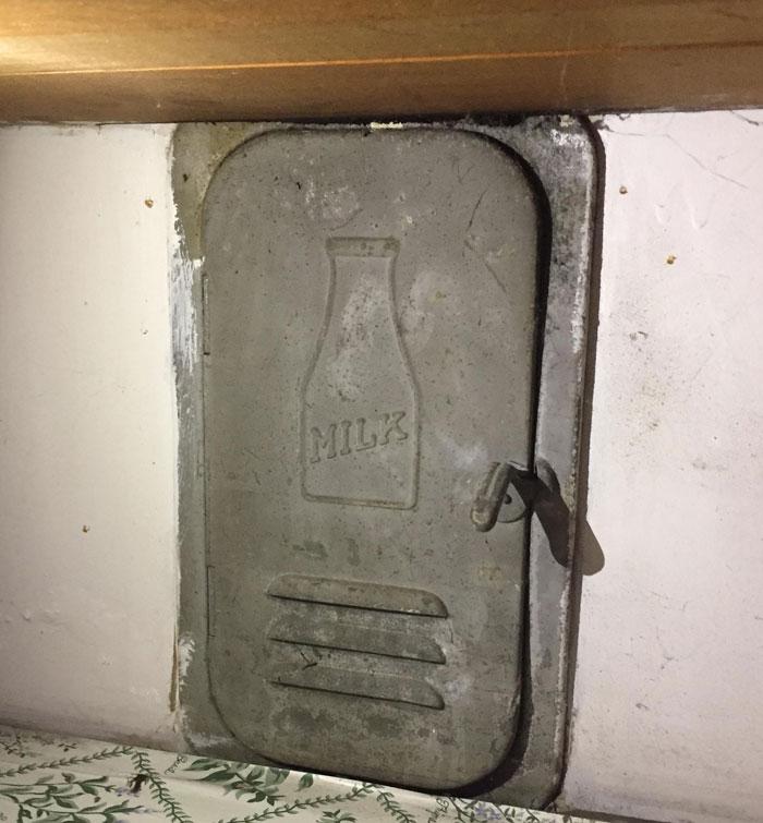 34 Curiosas antigüedades que los anteriores dueños dejaron en casas viejas