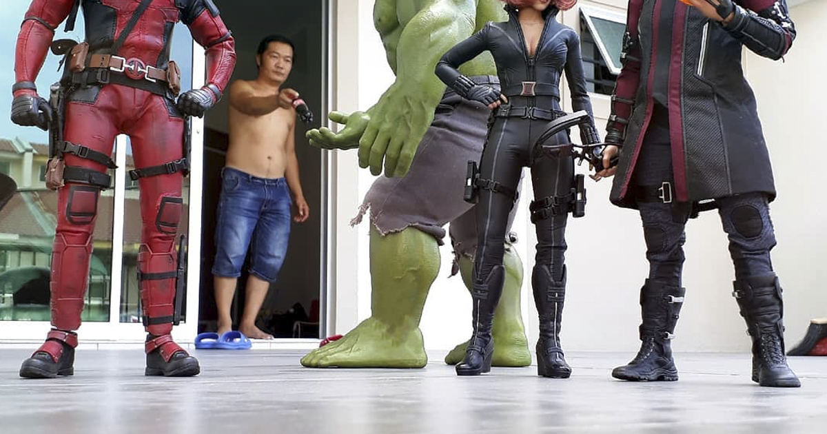 The Way This Man Takes Pictures With Superheroes Is Both Genius And Funny