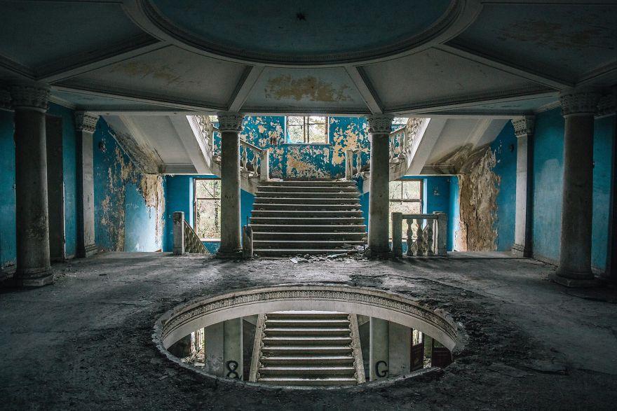 My Photographs Capture the Beauty of Abandoned Sanatorium in Georgia