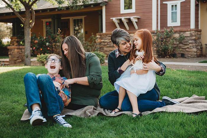 syringe-photoshoot-rainbow-baby-oneil-packer-family-photography-21