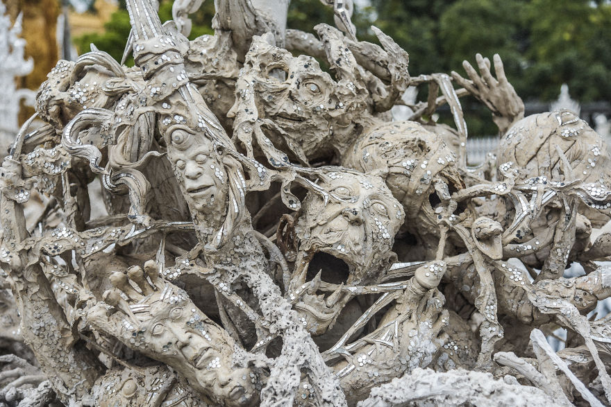 This White Temple In Thailand Is Both Heaven And Hell